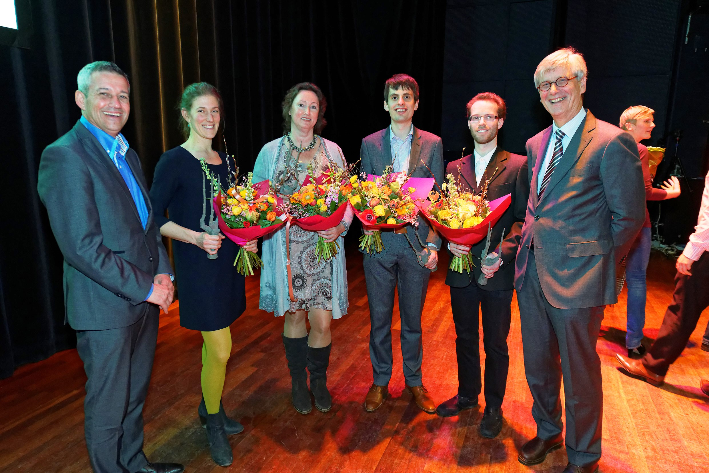 F.l.t.r.: dr. Han Swinkels (president of KLV), Lena Schulte-Uebbing, Jacqueline Zappeij (mother of Nick Middeldorp), Berend van der Meer, Uroš Cerkvenik (overall winner) and prof.dr. Just Vlak (president of the jury)