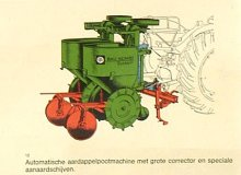 Part of  Rau Kombi System : voor betere werkmethoden. From: Collection Library, Agrotechnology & Food Sciences. Wageningen University & Research - Image Collections