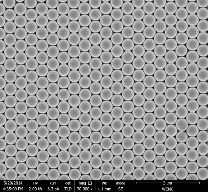 Crystal of monodisperse particles