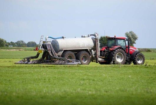 Mesttoediening 2.0; Nieuwe benadering methodiek bepaling ammoniakemissie_melkveefonds