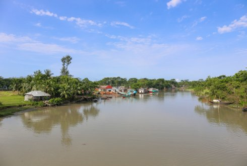 Assessing the Impact of Socio-economic Development and Climate Change on Faecal Indicator Bacteria in the Betna River, Bangladesh