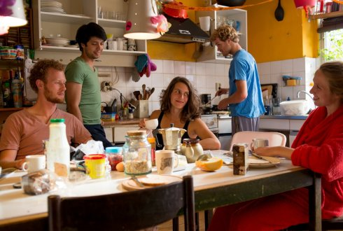 Students from Wageningen compile international student cookbook