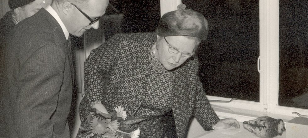 Queen Juliana and H. Hoestra
