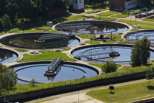 Biobased chemicals for water treatment