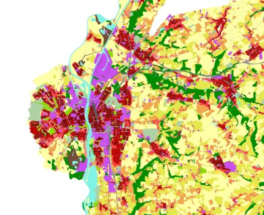 2.	Spatial distribution of land cover of Maastricht and its surroundings (Urban Atlas 2012)
