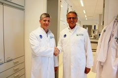 Zoltan Penzes (Global Director, Bio R&D Ceva) and Ludo Hellebrekers (Director Wageningen Bioveterinary Research