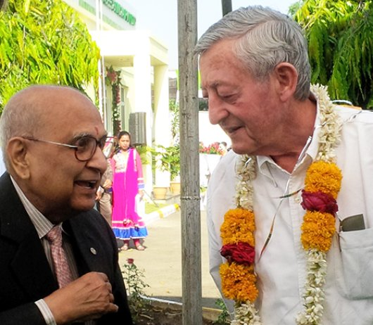 Simon Groot ontmoet Dr. Barwale 'Father of Seed Industry in India'