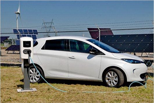 Storing energy won from sustainable sources in electric cars results in balanced grid