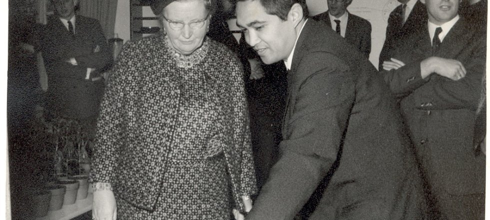 Queen Juliana and R. Winoto