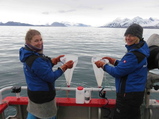 Wageningen Marine Research regularly undertakes expeditions in the Arctic, based at the arctic station in Ny-Ålesund on Svalbard. In 2016, the researchers kept a blog about their work and their encounters with, among others, John Kerry and polar bears.