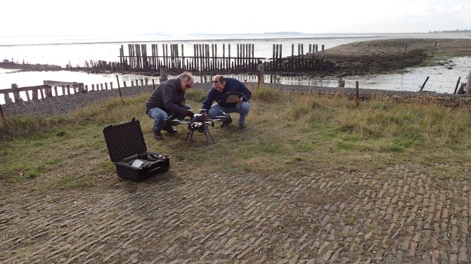 Wageningen University & Research researchers explore the potential of using drones in mussel bed monitoring and other field research to enhance effectiveness and reduce costs. Photo: Douwe van den Ende
