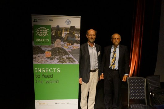 Links: Arnold van Huis (Wageningen University), rechts: Paul Vantomme (FAO)