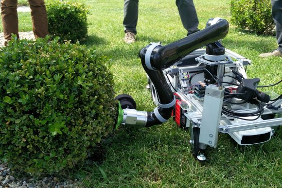 Next milestone reached for Trimbot2020, the robot for autonomous trimming of your garden plants