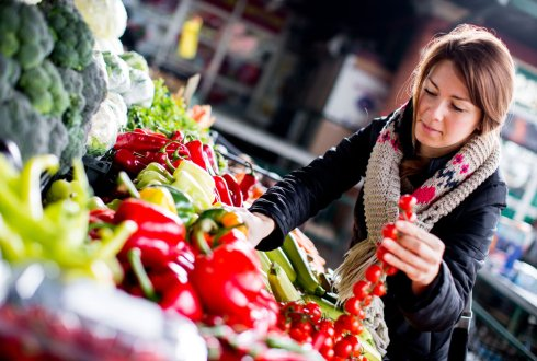 Consumer acceptance of intervention strategies for healthy food choices