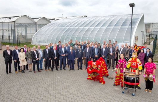 Official opening Chinese-style solar greenhouse in Bleiswijk