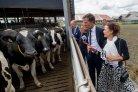 Rutte en Fresco bij Dairy Campus innovatiecentrum melkveehouderij