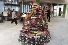 Book Christmas tree in Forum Library