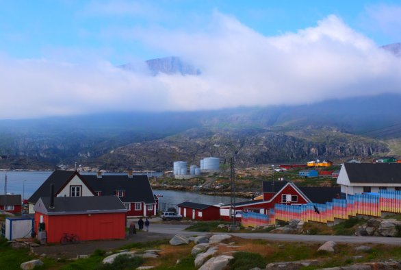 The social license to operate of oil and gas development in Greenland