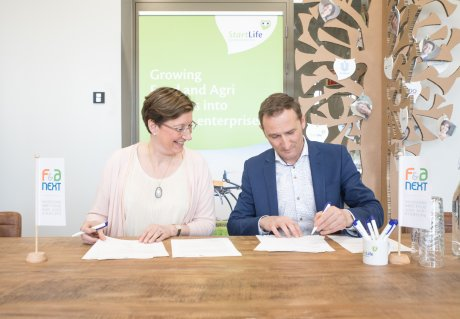 Unilever R&D signs Partnership Agreement with StartLife Wageningen