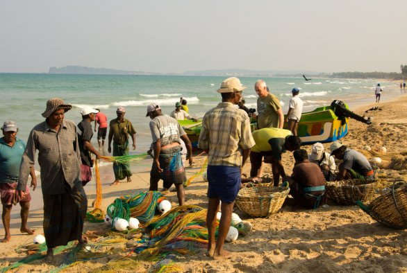 'Even Fish Have an Ethnicity': Livelihoods and Identities of Men and Women in War-Affected Coastal Trincomalee, Sri Lanka