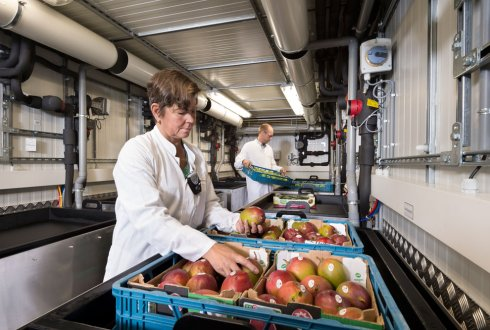 Mobile research facility enables quality control anywhere and at all times