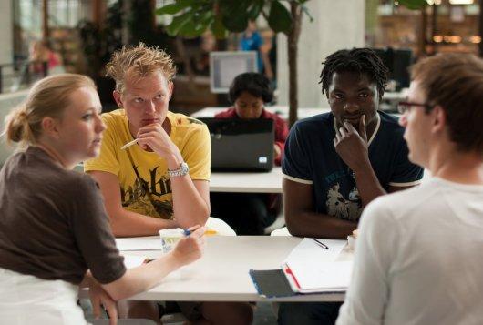 Onderwijsloket: kennismakelaar tussen student en maatschappij