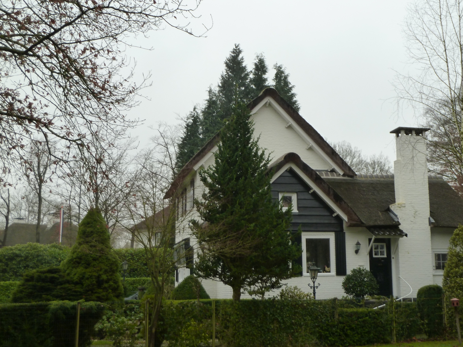 Garden and villa anex studio of N.V. Arendshoven, the construction and trading company of Bergmans and his father in law, Oisterwijk (photo: J. Bergmans, private archive Koen Visser)