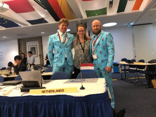 Because the Netherlands became a member this year, CCAMLR secretariat members Isaac Forster and Eldene O'Shea dressed up in style. They look fantastic in tulips! (Photo: Anton van de Putte)