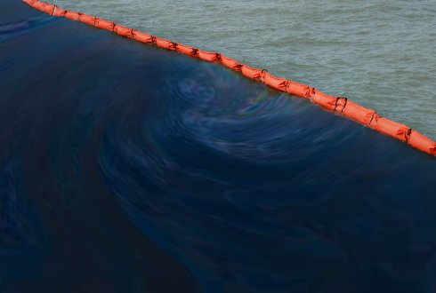 A hypothetical oil spill in the North Sea