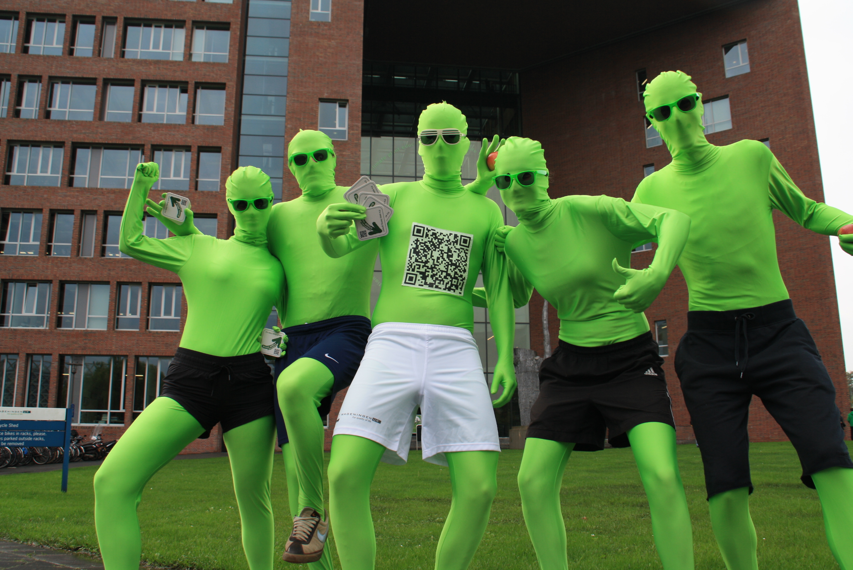 люди в зеленом картинки торговый греческий
